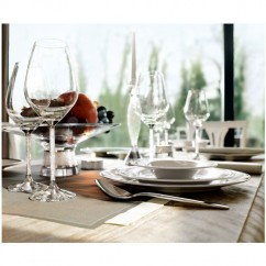 Crystalline red wine glasses by Swarovski